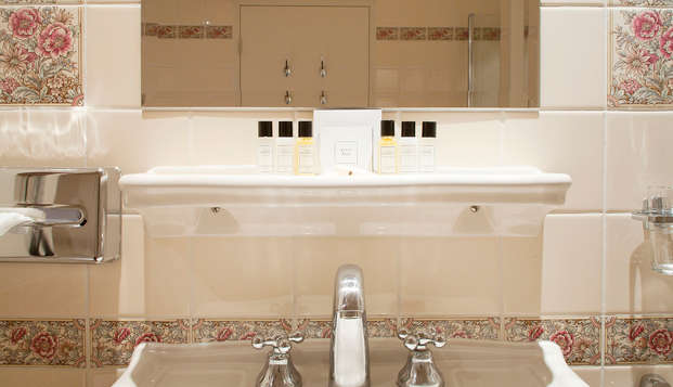 Lifestyle Hotel Carlton Ambassador - NEW bath