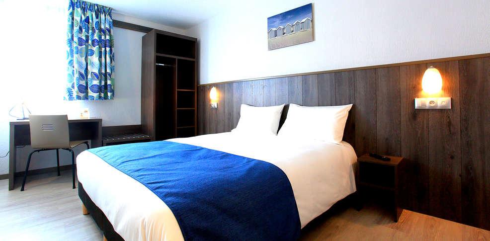 Brit hotel confort calais 3 calais france for Hotel nord pas de calais avec piscine