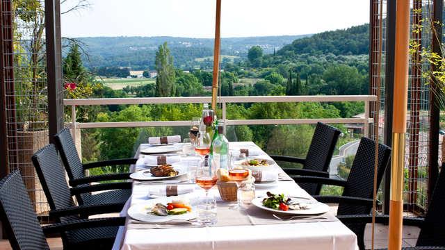 Diner en ontspanning in het hart van het Regionaal Natuurpark van de Verdon