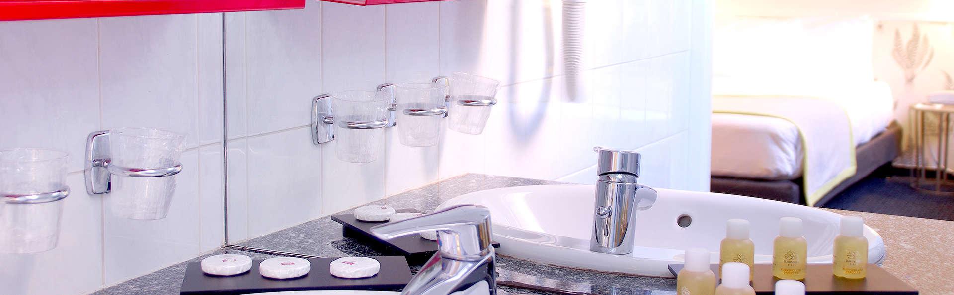 Hotel George - Astotel - Edit_Bathroom5.jpg