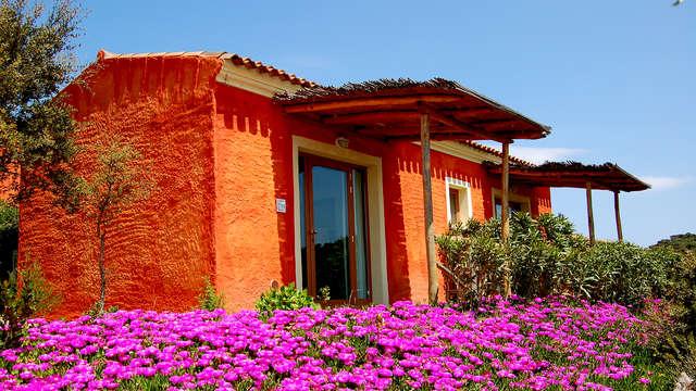 Encanto entre las hermosas colinas de Costa Esmeralda en un resort 4*