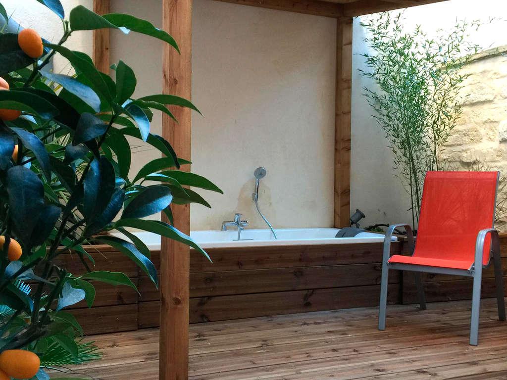 Séjour Hérault - Week-end en suite avec bains à remous en plein coeur de Montpellier  - 3*