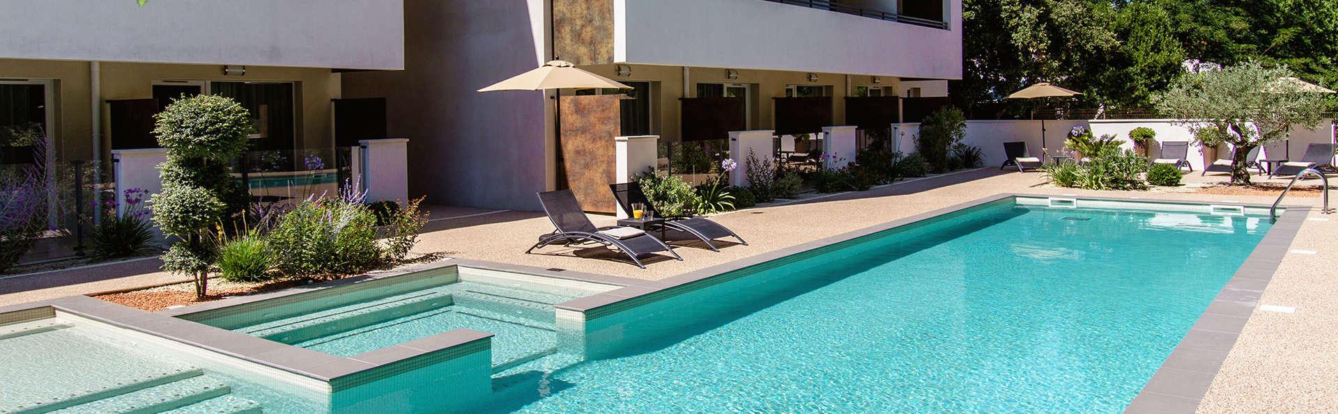 Forme-hotel Montpellier - EDIT_Pool_6.jpg