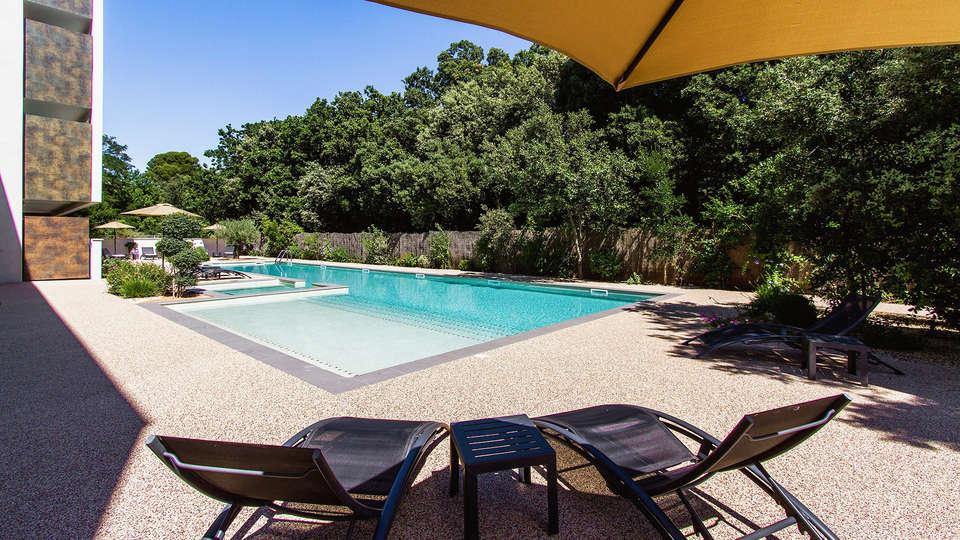 Forme-hotel Montpellier - EDIT_Pool_5.jpg
