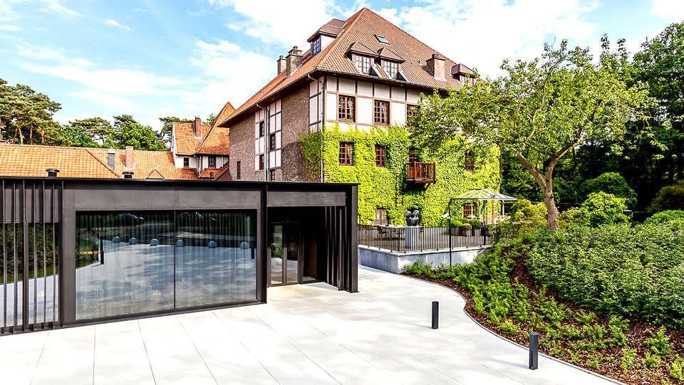 Relais & Châteaux Hôtel La Butte aux Bois - EDIT_NEW_FRONT2.jpg
