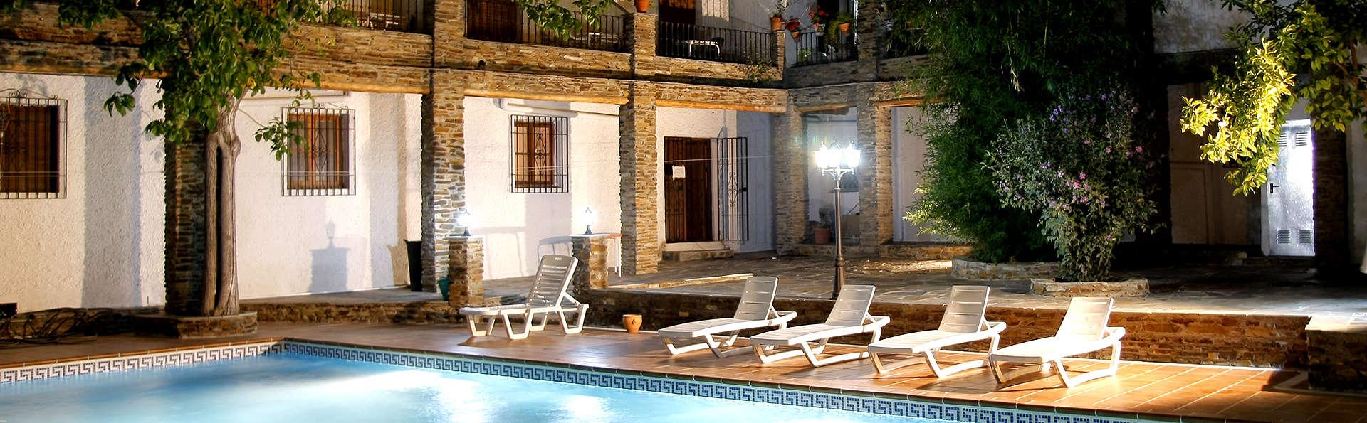 Hotel Rural Real de Poqueira - Edit_Pool2.jpg