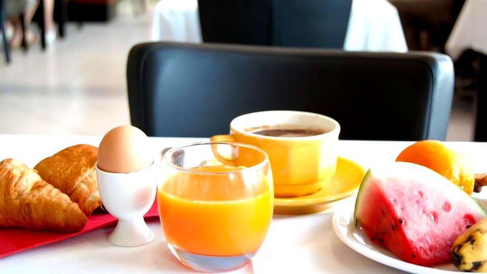 Hotel La Terrasse - Edit_Breakfast.jpg