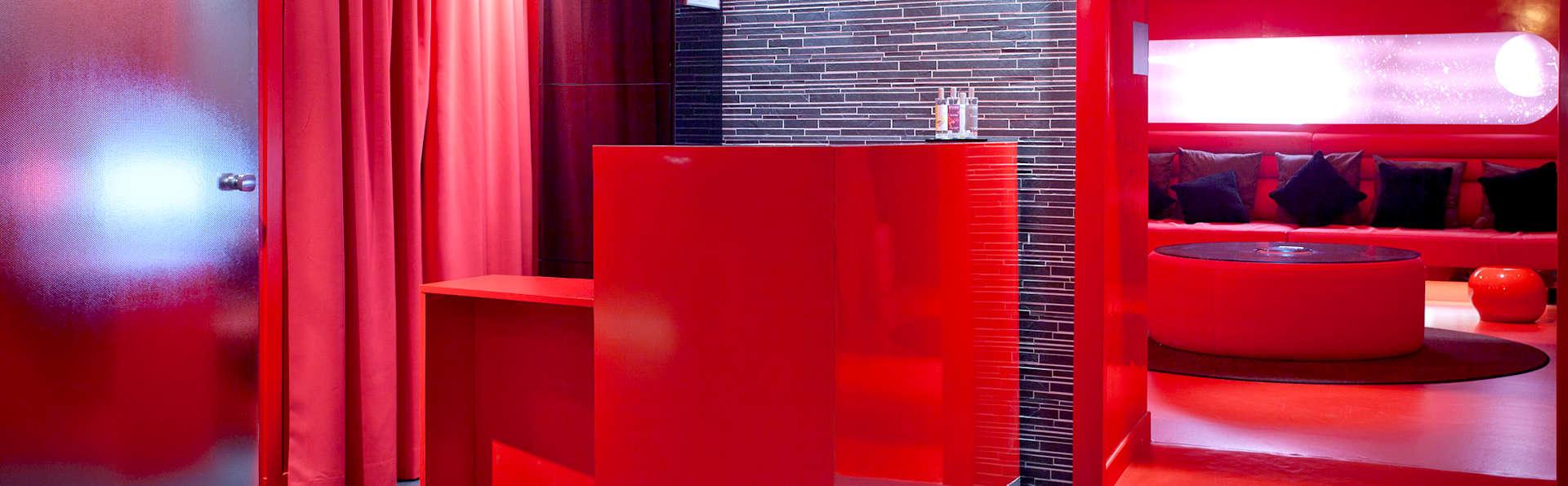 Five Boutique Hotel Paris Quartier Latin  - Edit_Reception.jpg