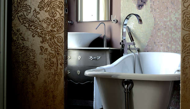 Le Grand Monarque - Chartres - Bathroom
