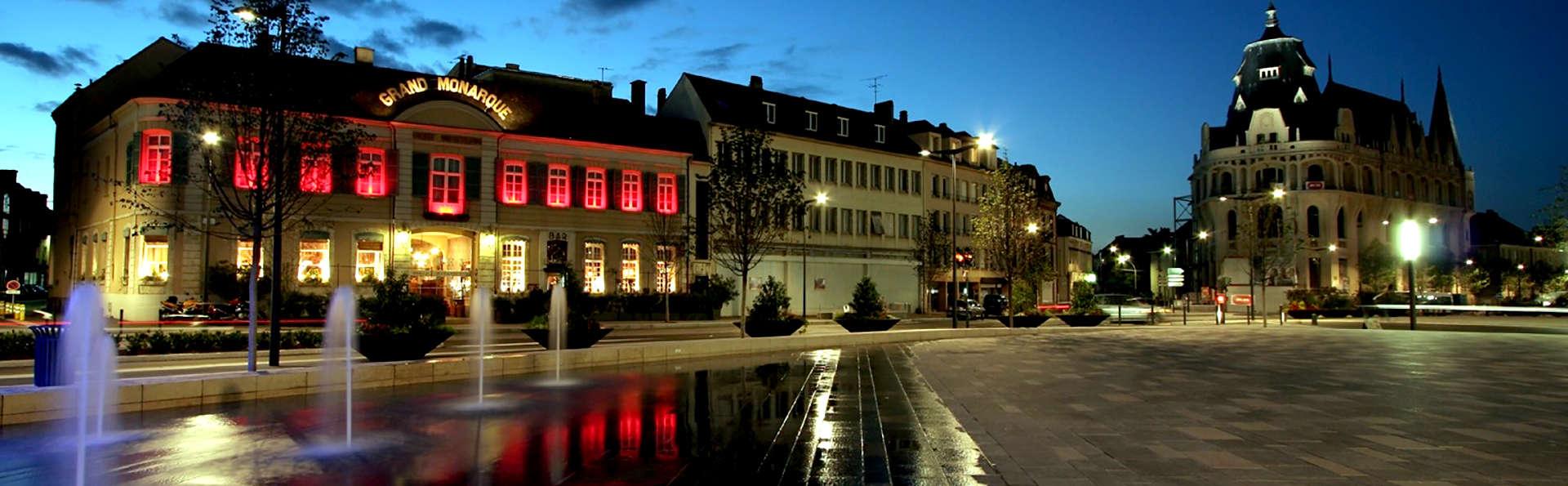 Le Grand Monarque - Chartres - Edit_Front.jpg