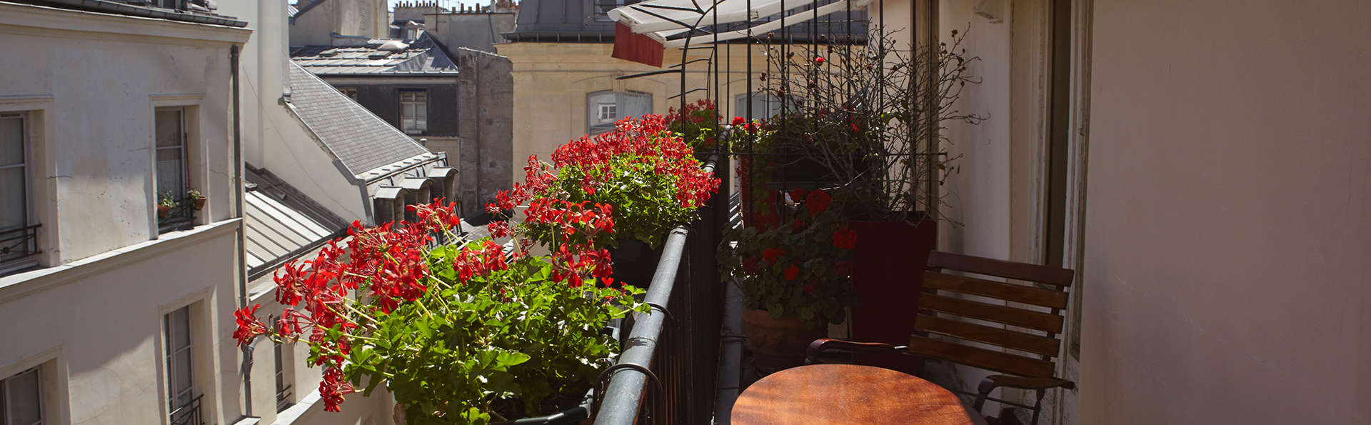 Grand Hôtel Dechampaigne - EDIT_balcony3.jpg