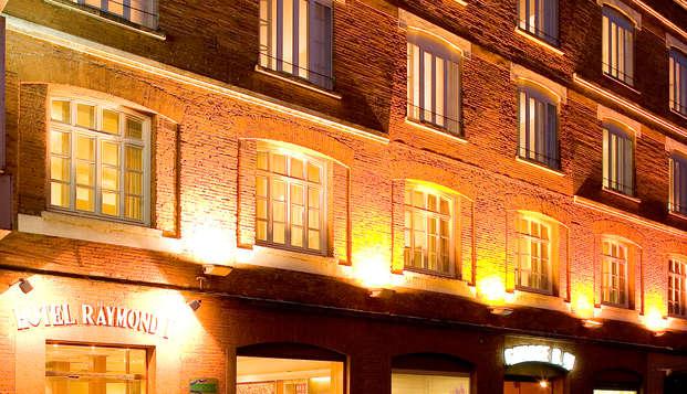 Hotel Raymond - Front