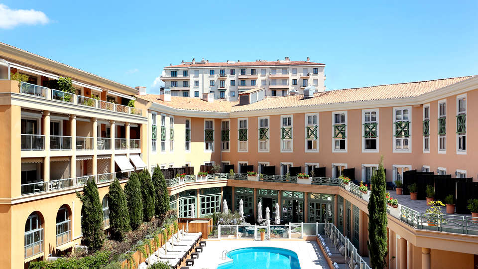 Grand Hôtel Roi René Aix-en-Provence Centre Mgallery - Edit_Front3.jpg