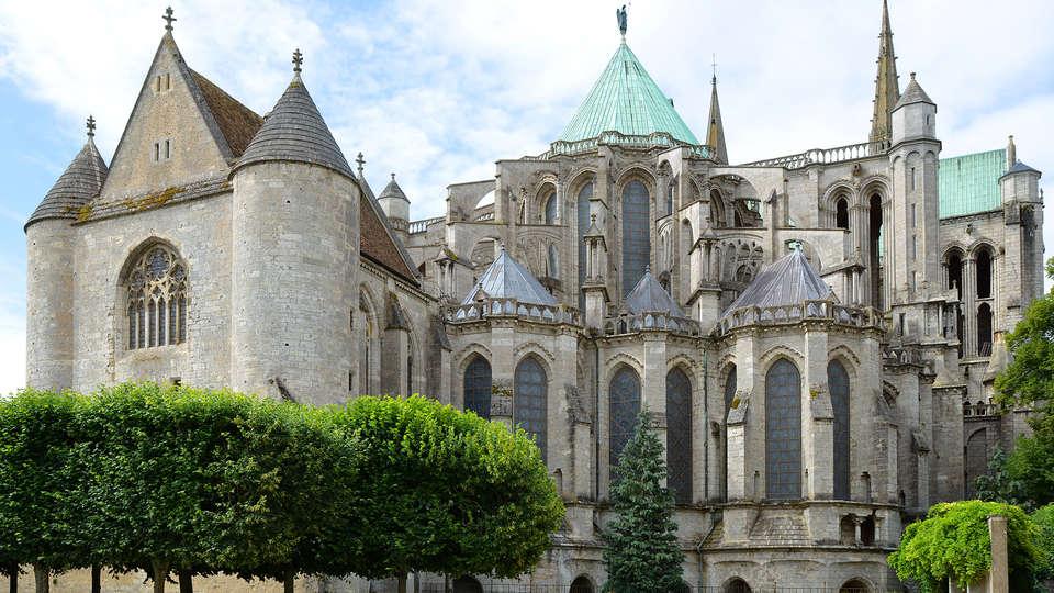 Mercure Chartres Cathédrale - Edit_Chartres.jpg