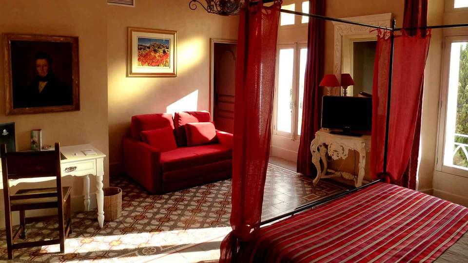 Hostellerie du Château des Fines Roches - Edit_Room2.jpg