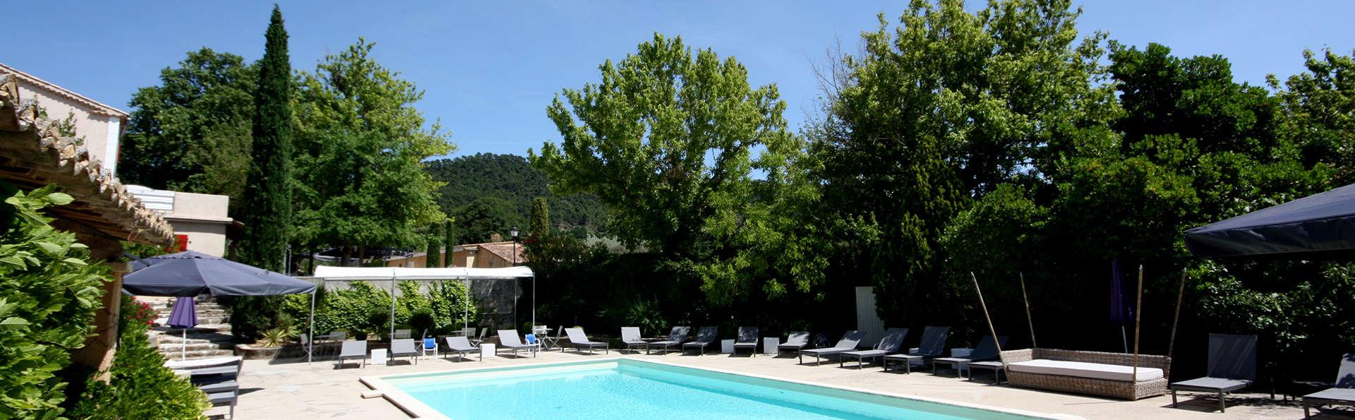 Hostellerie du Domaine de Cabasse - EDIT_pool2.jpg