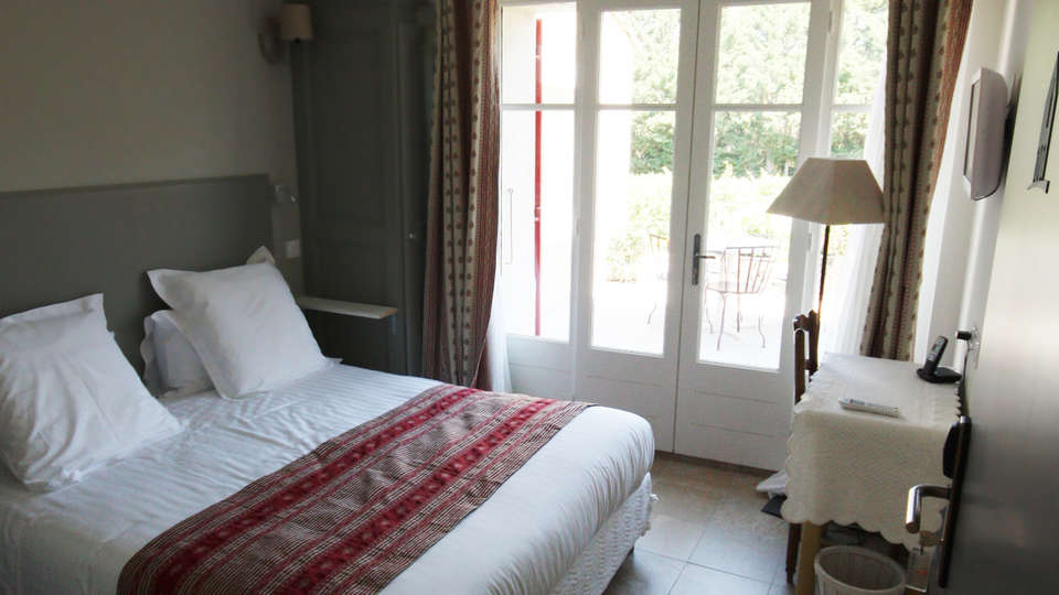 Hostellerie du Domaine de Cabasse - EDIT_room5.jpg