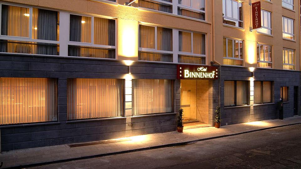 Hotel Binnenhof - Edit_Front.jpg