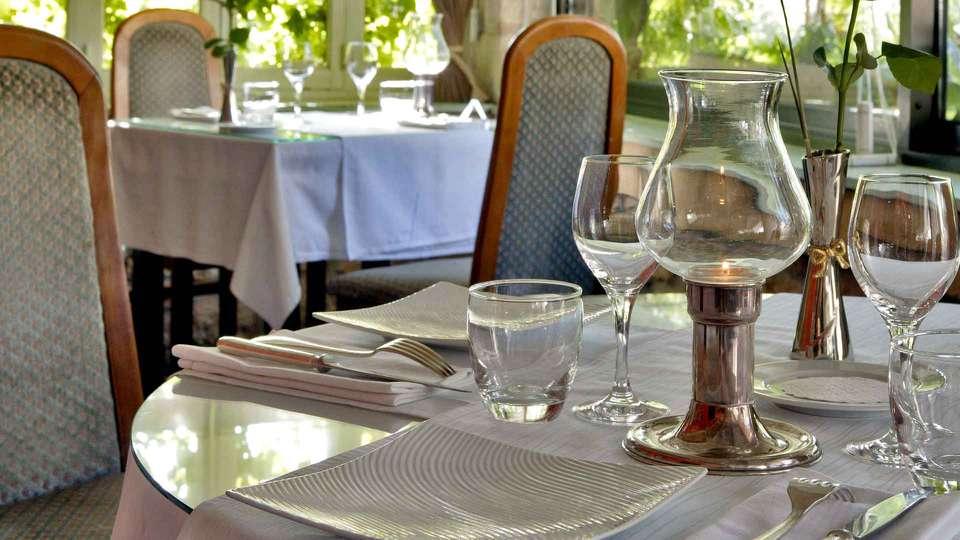 Hostellerie du Passeur - Edit_Restaurant2.jpg