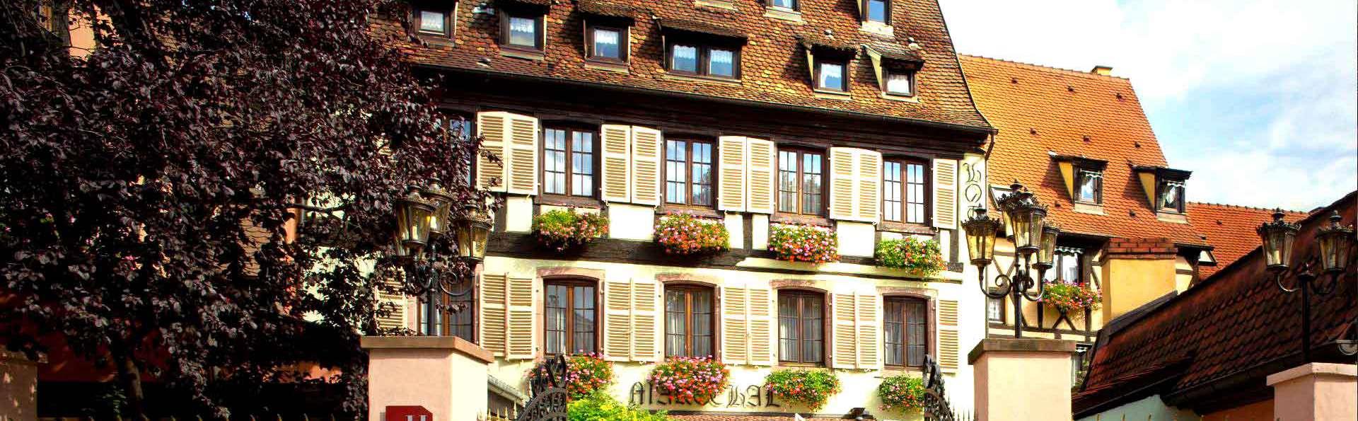 Hostellerie Le Maréchal - Edit_Front.jpg
