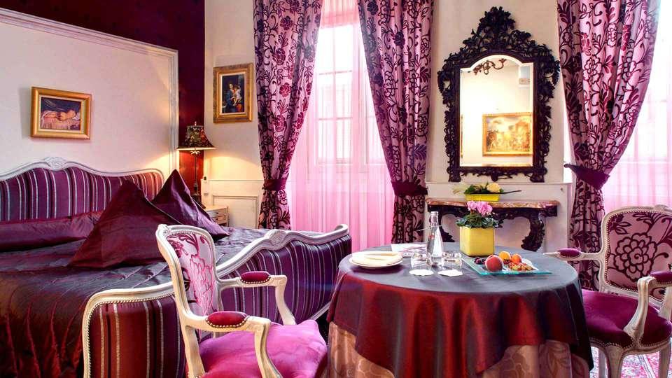 Hostellerie Le Maréchal - Edit_room6.jpg