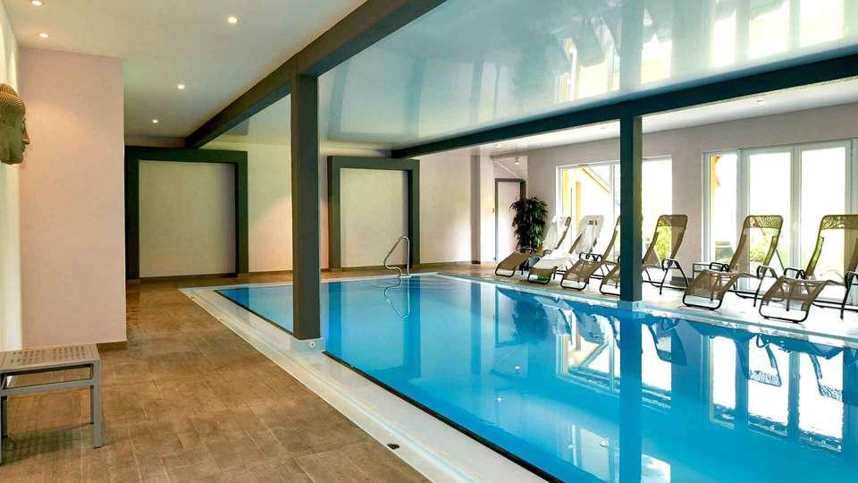 Hotel & Spa Au Chasseur - Edit_Pool3.jpg
