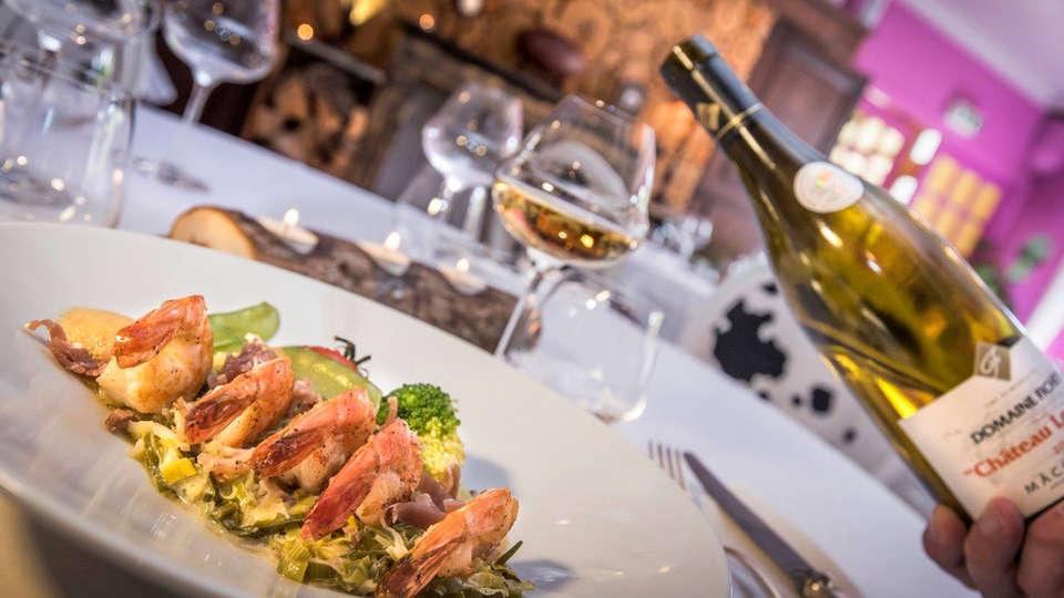 Hôtel - Restaurant Le Rocher Blanc - EDIT_restaurant.jpg