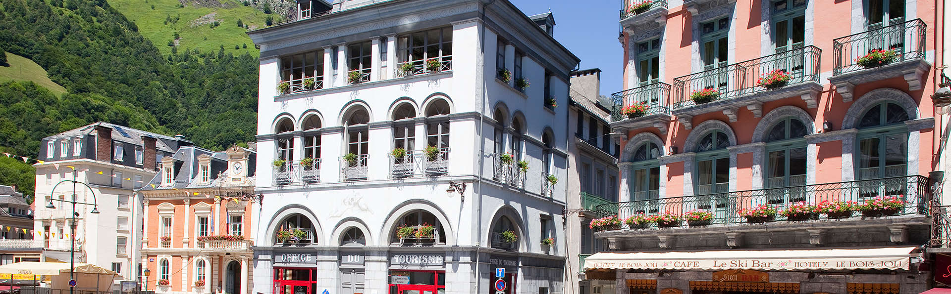 Hôtel Le Bois Joli - edit_front2.jpg