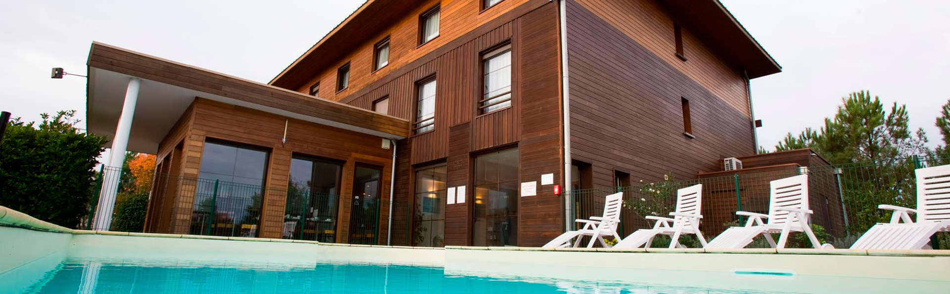 Hôtel All Suites Le Teich - EDIT_pool2.jpg