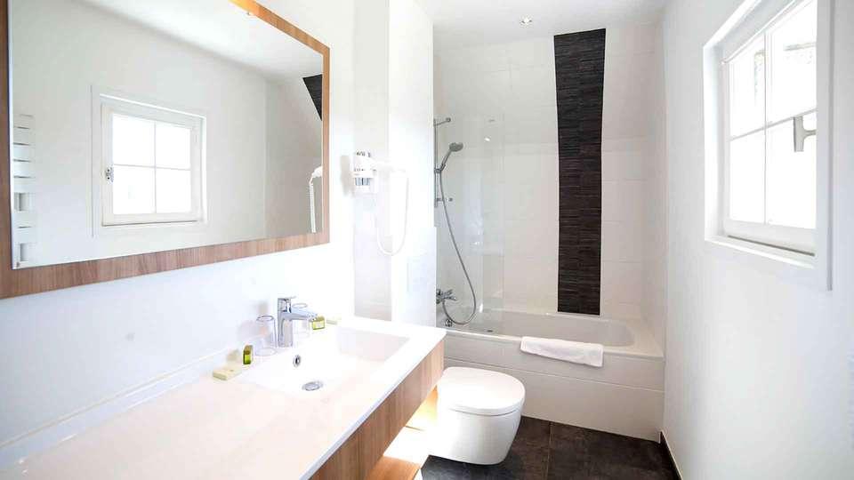 Hôtel An Ti Gwenn - Edit_Bathroom2.jpg