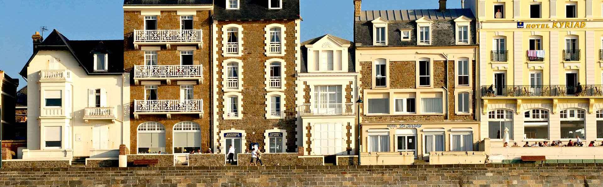 Hôtel Antinéa - Edit_view2.jpg