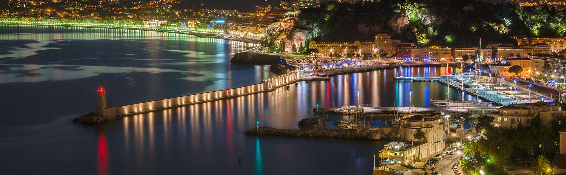 Découvrez la belle ville de Nice en studio dans un hôtel de charme