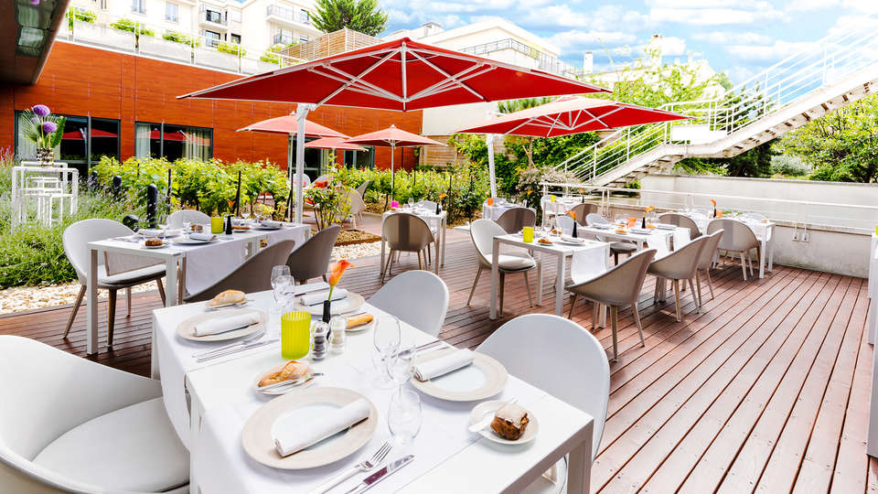 Radisson Blu Hotel Paris Boulogne - EDIT_NEW_terrace.jpg