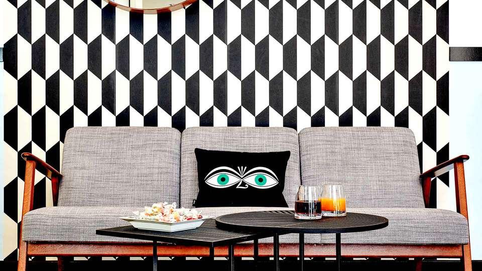 Hôtel Augustin - Astotel - Edit_Lounge2.jpg