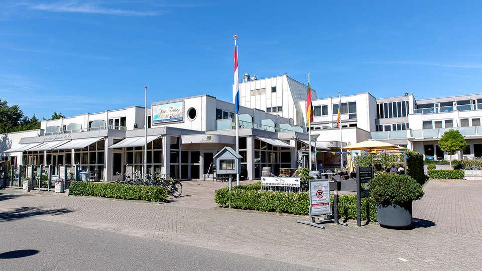 Strandhotel Bos en Duin - Edit_Front.jpg
