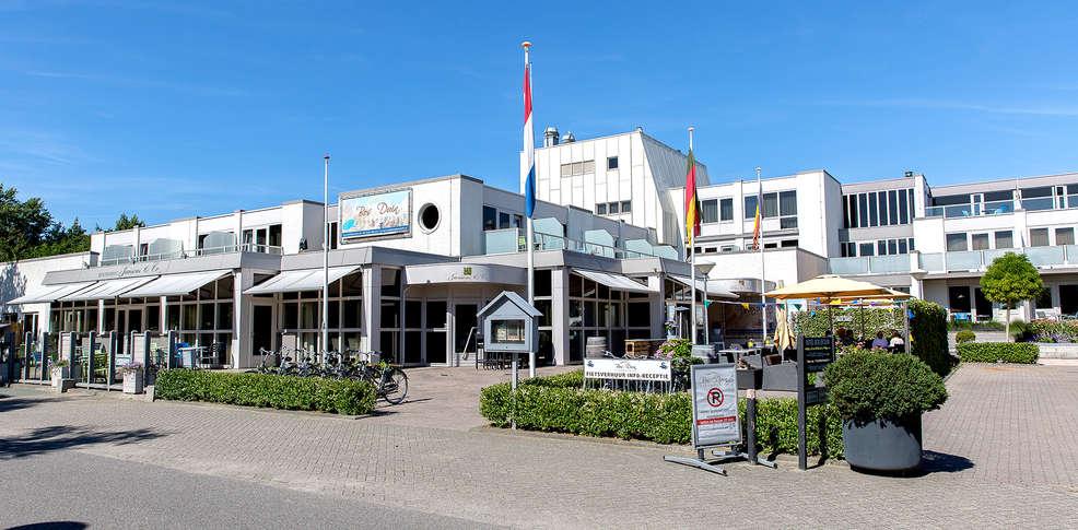 strandhotel bos en duin 3 oostkapelle nederland. Black Bedroom Furniture Sets. Home Design Ideas