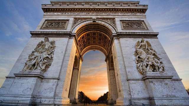 Week-end en chambre supérieure au coeur de Paris à deux pas de l'Arc de Triomphe