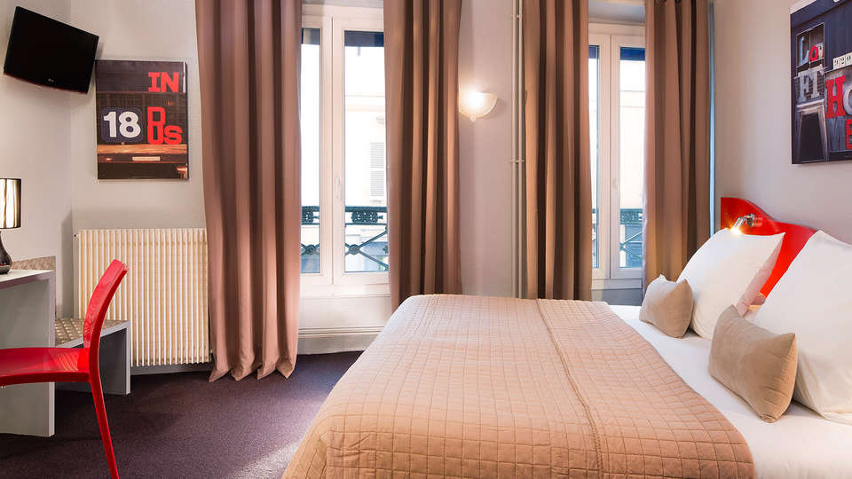 Hôtel Beaumarchais - EDIT_room.jpg