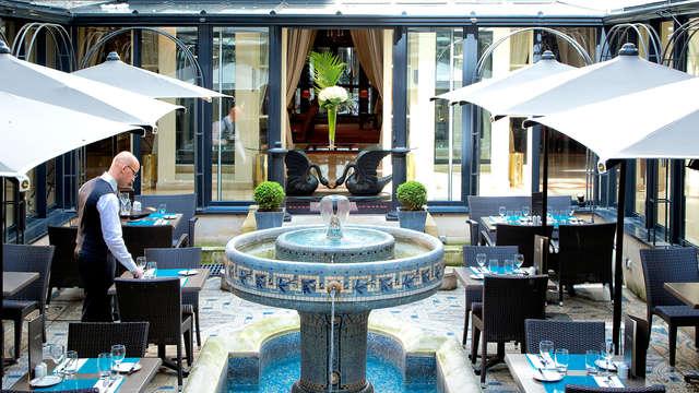 Verblijf in deluxekamer in een prestigieus 4*-hotel te Parijs