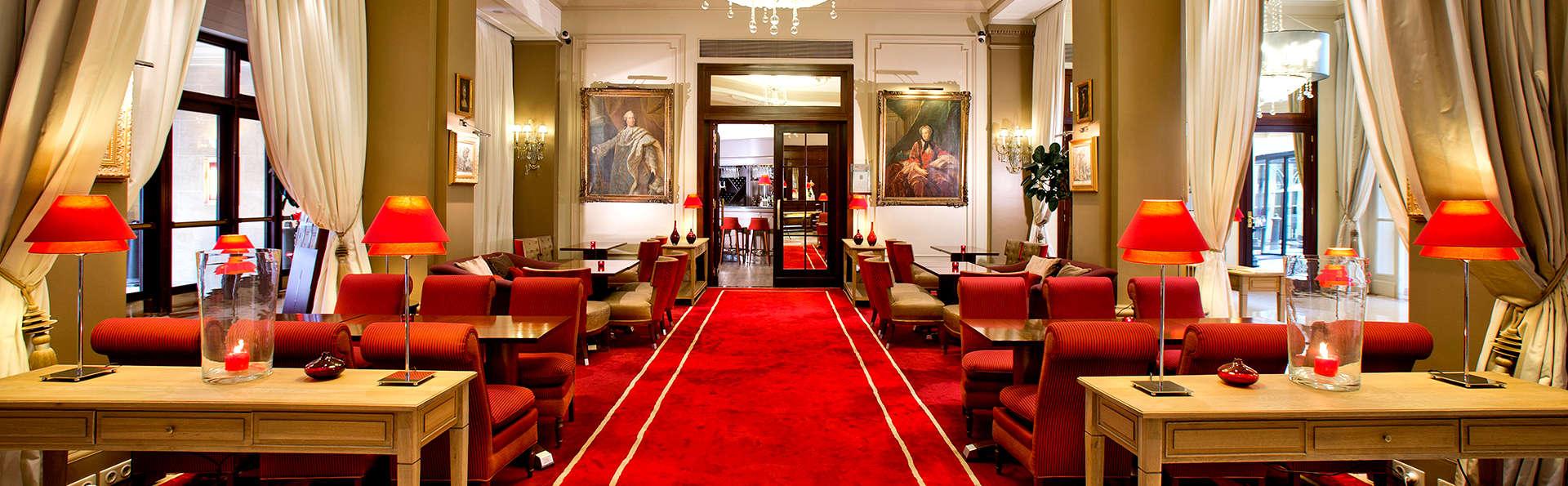 Luxe en chambre supérieure à deux pas des Champs-Elysées