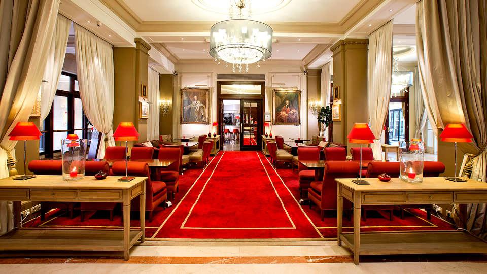 Hôtel California Champs Elysées - Edit_Lounge.jpg