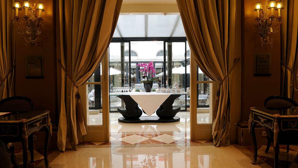Hôtel California Champs Elysées - Edit_Reception.jpg