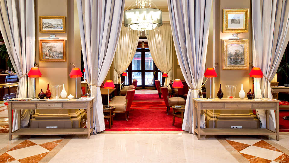 Hôtel California Champs Elysées - Edit_Restaurant2.jpg
