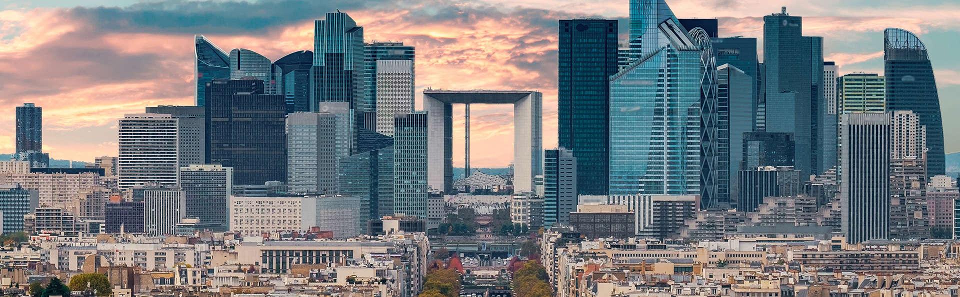 Bezoek het dak van La Grande Arche La Défense en 4* verblijf aan de rand van Parijs