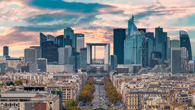 Visite du toit de la Grande Arche de La Défense et séjour 4* aux portes de Paris