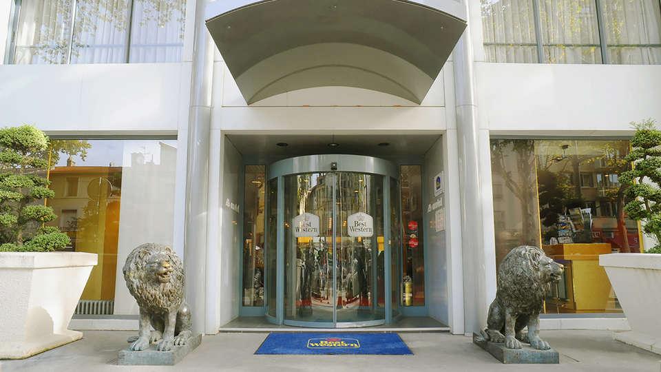 Hôtel Charlemagne - EDIT_Fachada_1.jpg