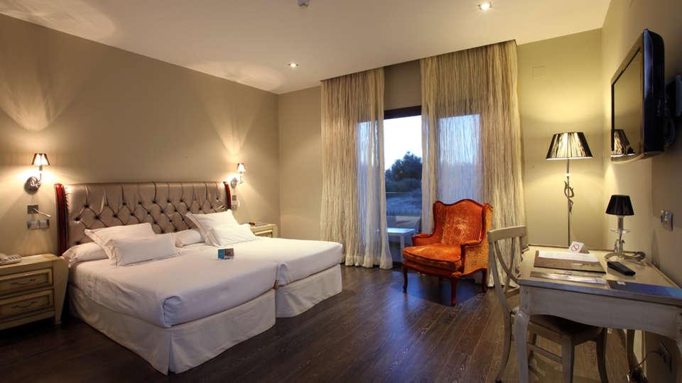 Hotel Villa Nazules Hípica Spa - EDIT_NEW_room1.jpg