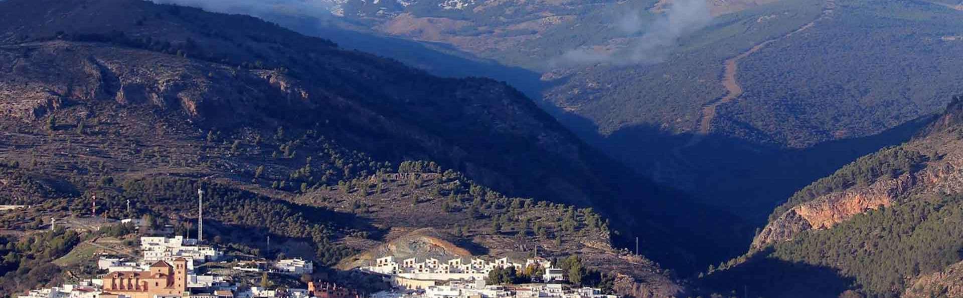 Escapada con visita a bodega y cata de vinos en plena Alpujarra