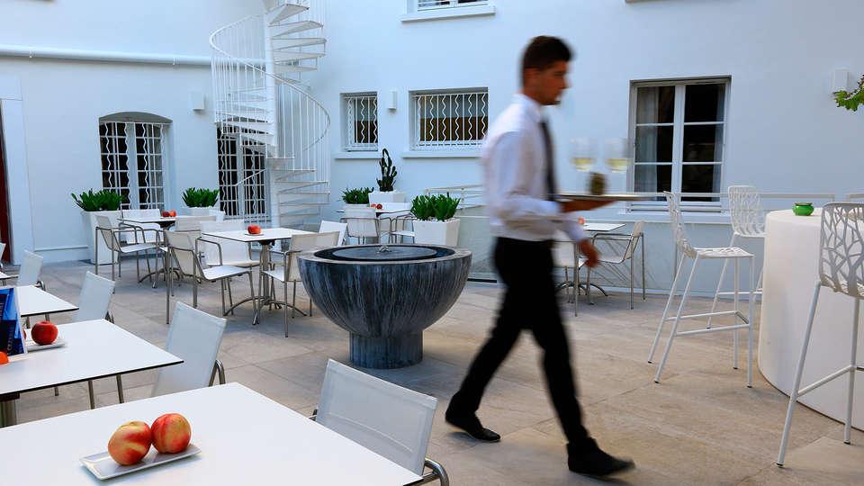 Hôtel Cézanne Boutique - EDIT_terrace1.jpg