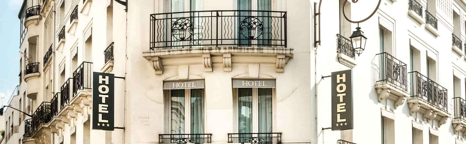 Hôtel Charlemagne - Edit_Front.jpg